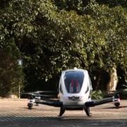 Obrázek: Dron jako taxi bez řidiče? V Dubaji začnou létat s lidmi už v létě