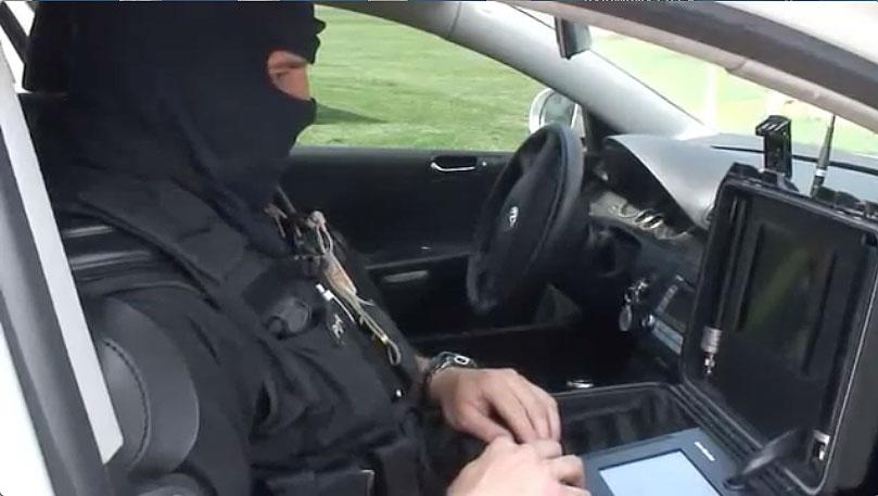 Obrázek: Slovenské dálkově ovládané policejní vozidlo rozežene každou demonstraci