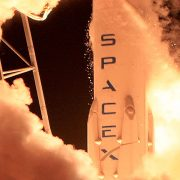 Obrázek: NASA přijala stížnost Blue Origin, financování SpaceX pozdržela