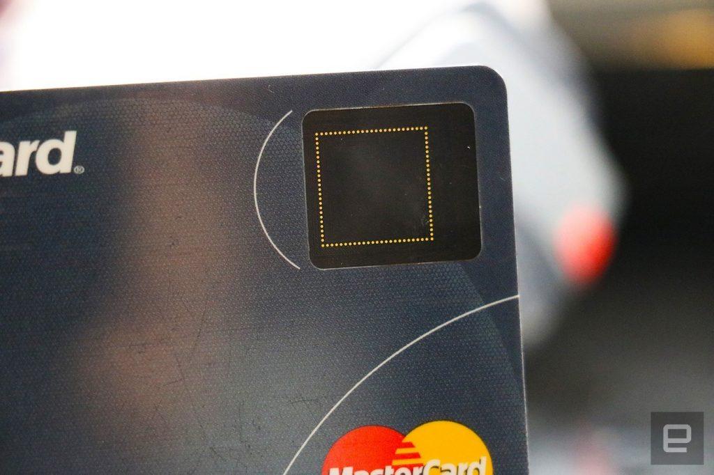 Obrázek: Zapomeňte na PIN kódy, čtečky otisků prstů jsou nyní i na platebních kartách