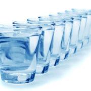 Obrázek: Kolik vypít denně tekutin? Osm sklenic vody je mýtus