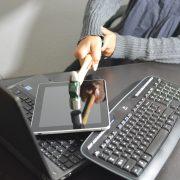 Obrázek: Zákaz notebooků a tabletů v letech z Evropy do USA. Nesmysl, nebo nutnost?