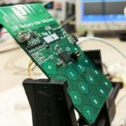 Obrázek: Telefon získává energii ze vzduchu a nepotřebuje baterii, vědci mají funkční prototyp!
