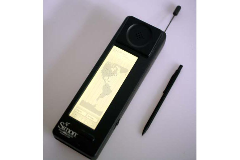 Obrázek: iPhone to nebyl: První smartphone vznikl před 25 lety a do kapsy by se nevešel