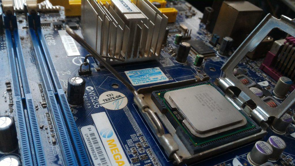 Obrázek: Konec BIOSu: Intel své dílo odstraní, zbyde jen UEFI