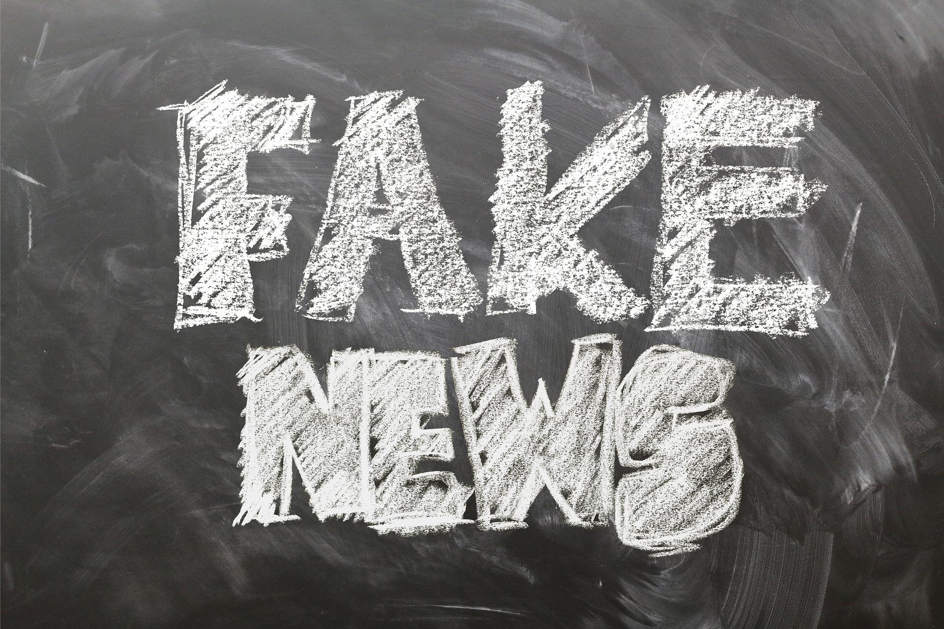 Obrázek: Lidé nečtou a sdílí lživé články kvůli chytlavým nadpisům: Twitter experimentuje s funkcí, která to má změnit