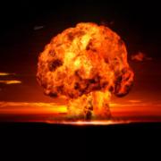 Obrázek: Hodiny Posledního soudu tikají, zbývají 2 minuty do půlnoci! Vědci posunuli ručičky u jaderné zkázy světa