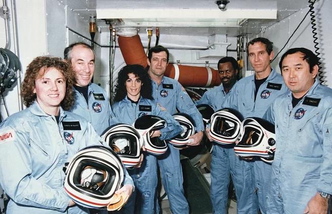 Obrázek: Minuta letu skončila děsivým výbuchem raketoplánu: Challenger změnil pohled na cesty do vesmíru i celou NASA