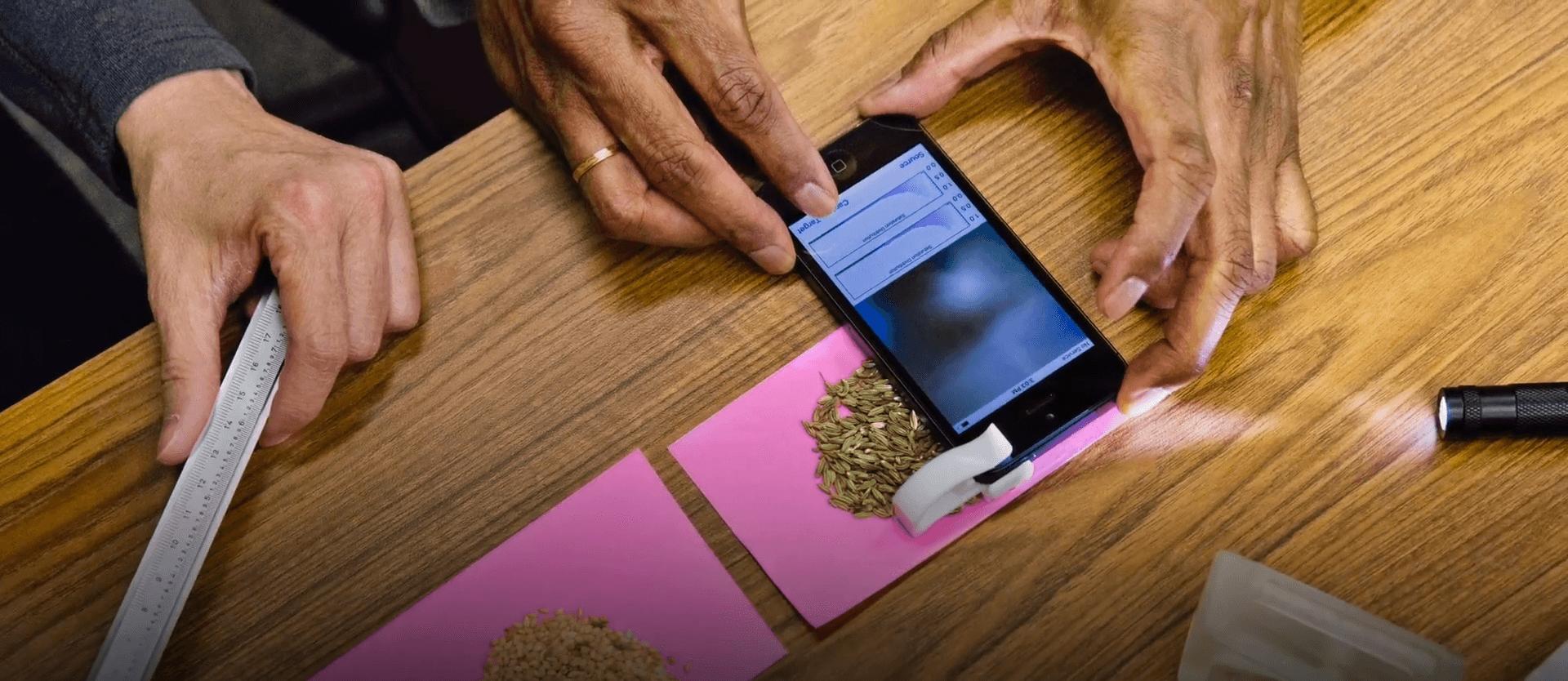 Obrázek: Rozpozná padělky, falešné bankovky i léky: Umělá inteligence využívá blockchain a kameru telefonu