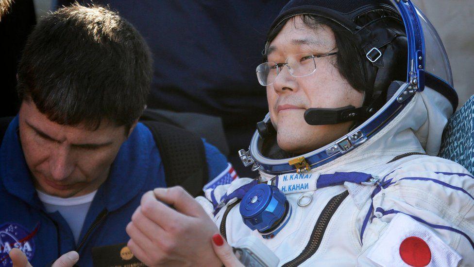 Obrázek: Kapsle Sojuz úspěšně dosedla na povrch Země, astronauti byli ve vesmíru 5 měsíců
