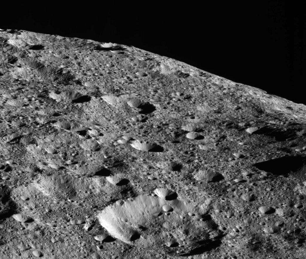 Obrázek: Úsvit nad Ceres: sonda Dawn se připravuje na blízký průlet