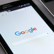 Obrázek: Google se blíží magické hranici jednoho bilionu dolarů, je na dosah Applu