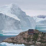 Obrázek: Grónskou vesnici ohrožuje obří ledovec, váží 11 milionů tun