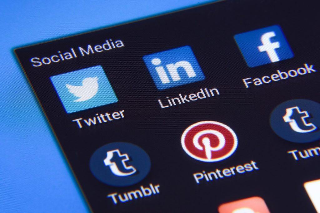 Obrázek: Lež nebo svoboda slova? Informační válka naráží na samotné hranice demokracie