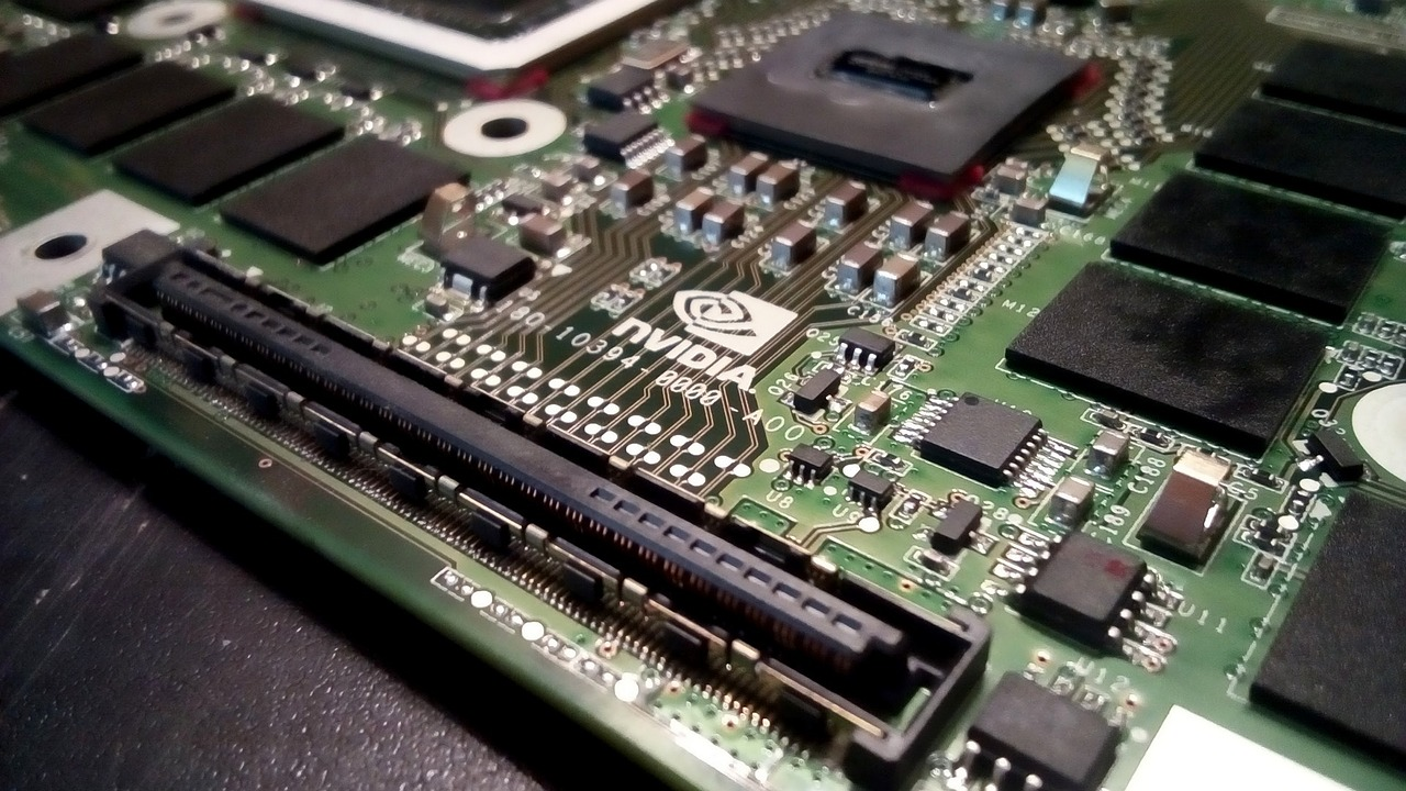 Obrázek: Qualcommu se nelíbí akvizice Armu Nvidií, transakci zpochybní
