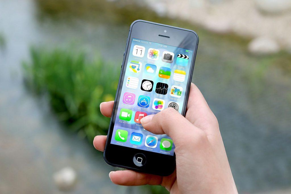 Obrázek: Čínské značky prodají dvě třetiny smartphonů v celé Indii, iPhony Applu hrají druhé housle