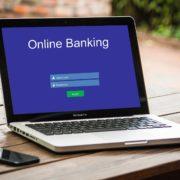 Obrázek: Jak bezpečné jsou webové stránky bank? 97 % těch největších má zneužitelné zranitelnosti
