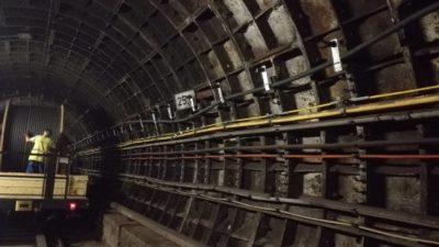 Obrázek: Budiž signál: V pražském metru si od dnešního dne konečně zavoláme a zasurfujeme i v tunelu