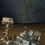 Obrázek: Koronaviru navzdory. Rover Curiosity se dál prohání po Marsu, inženýři pracují z domova