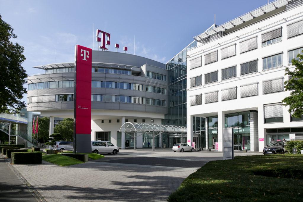 Obrázek: Huawei představuje bezpečnostní riziko, věří USA a varují Evropu. Těžko však uspějí