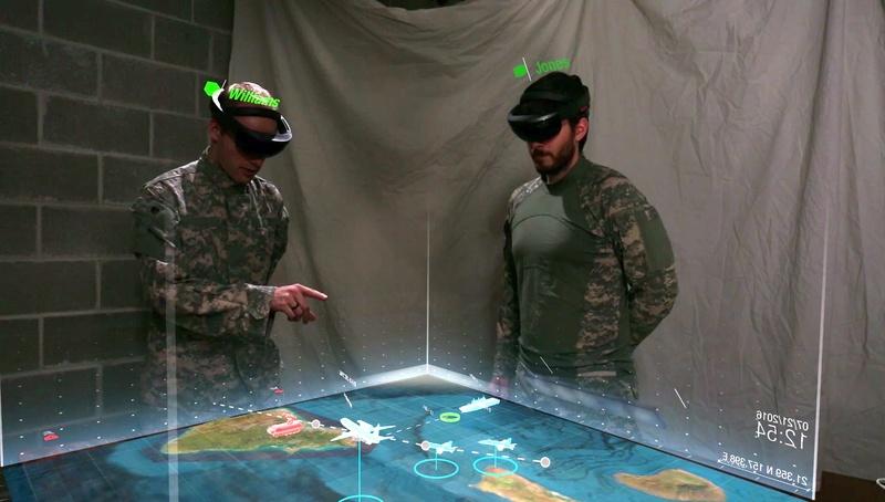 Obrázek: Vojáci USA uvidí slabiny nepřítele díky chytrým brýlím: Microsoft upravuje HoloLens pro nasazení v boji