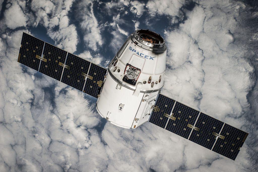Obrázek: Projekt Starlink: SpaceX vyšle na oběžnou dráhu Země přes tisíc satelitů