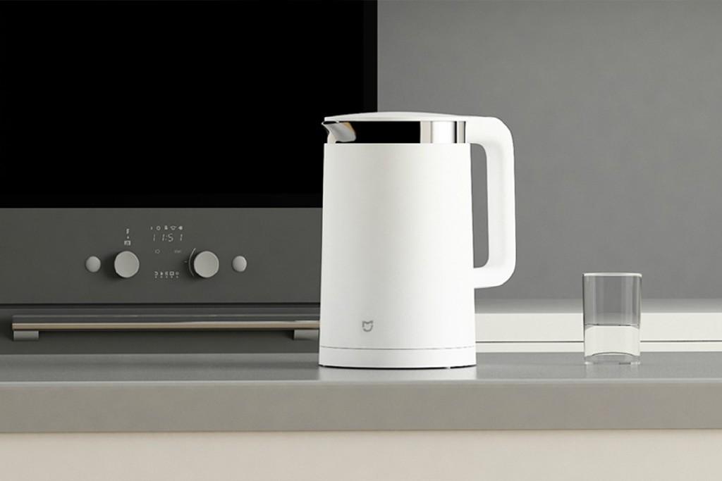 Obrázek: Chytrá konvice uvaří čaj rovnou z postele: Tipy na doopravdy chytré vánoční dárky