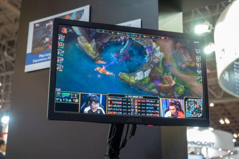 Obrázek: OLED monitory pro PC s perfektním obrazem konečně míří na trh: Stát budou jako ojetý automobil