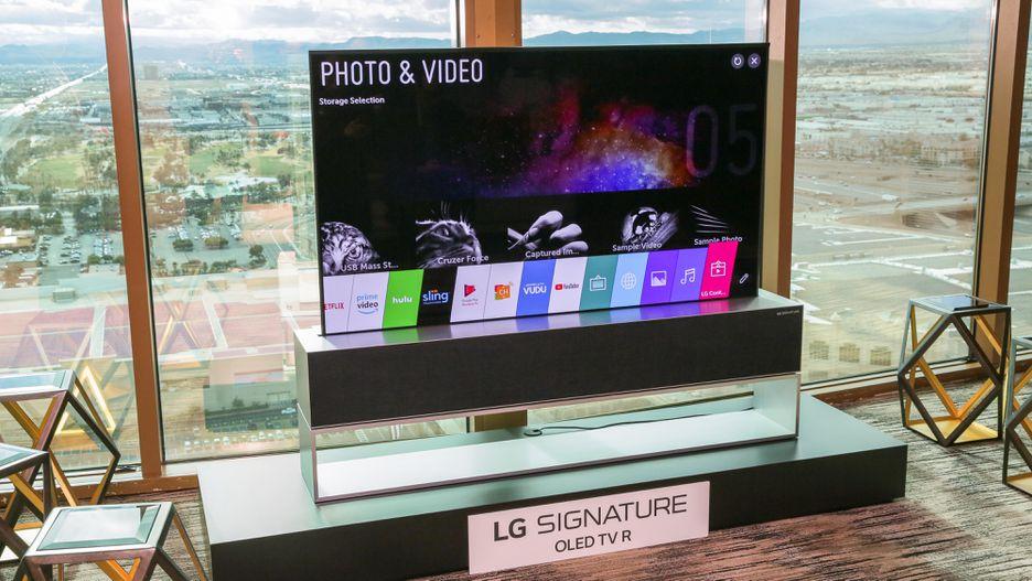 Obrázek: LG představilo rolovatelnou TV, která se sama složí. Je úžasná a bude stát jmění
