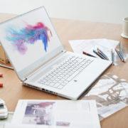 Obrázek: Výkonné notebooky nemusí být obludy. MSI P65 Creator je stříbrný, tenký a lehký
