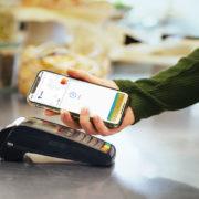Obrázek: Apple Pay v ČR: Jak nastavit platby iPhonem a jaké banky je podporují?