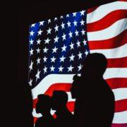 Obrázek: Souboj mezi USA a Čínou? Do IT se přelévá politika, Huawei je symbolem střetu kultur
