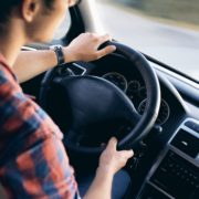 Obrázek: Evropská unie hodlá zvýšit bezpečnost na silnicích, omezí maximální rychlost automobilů