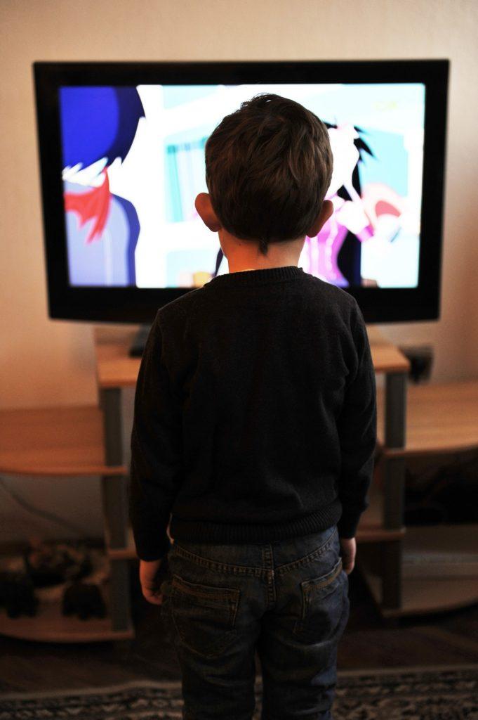 Obrázek: Má vaše malé dítě televizi v ložnici? Může mu to uškodit, tvrdí kanadská studie