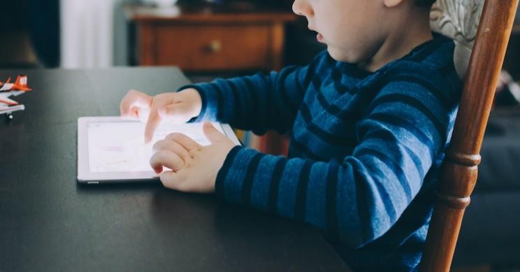 Obrázek: Dítě uzamklo iPad na 25 milionů minut, jak odemknout zablokovaný iPad i iPhone?