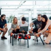 Obrázek: Robot Facebooku se sám učí chodit