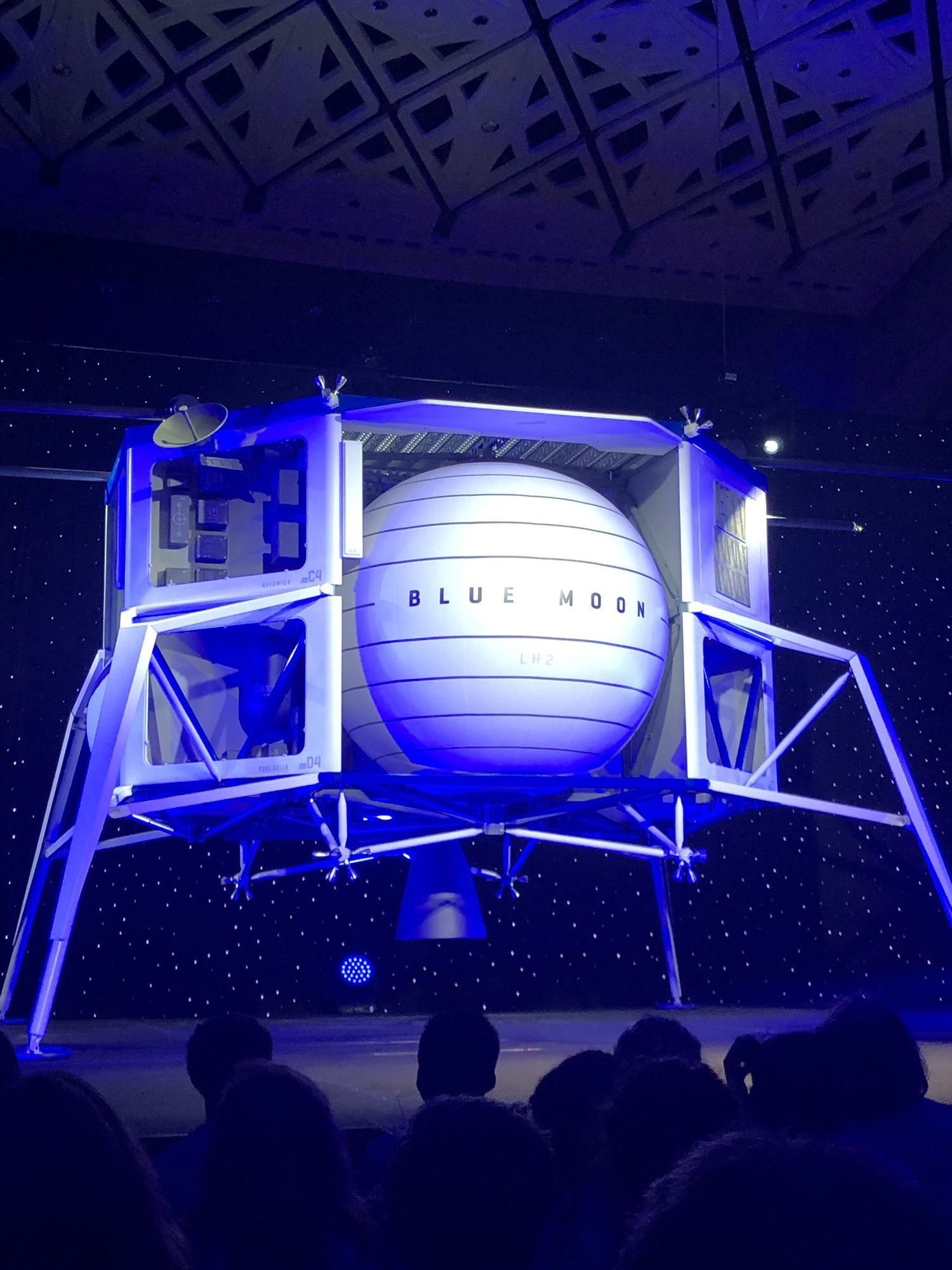 Obrázek: Lunární modul Blue Moon pomůže dopravit na Měsíc rovery i člověka