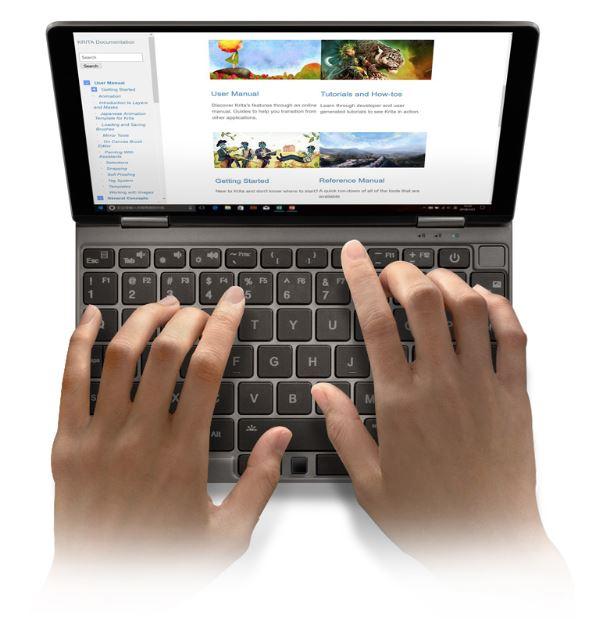 Obrázek: Miniaturní japonský notebook se vejde do dlaně, výkonem překoná běžný počítač