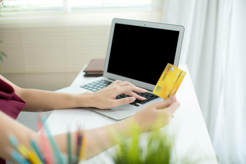 Obrázek: Internetové bankovnictví v zahraničí: Jak ochránit své připojení na cestách?