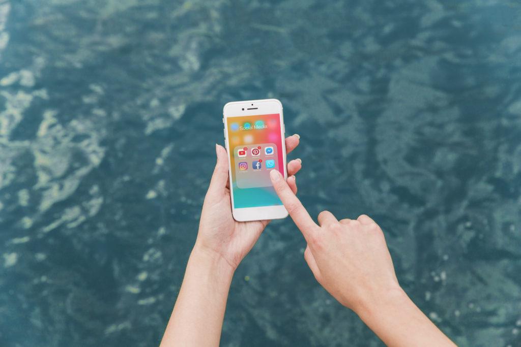 Utopený mobil