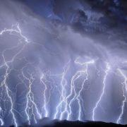 Obrázek: Jak vzniká blesk? 4 200x zpomalený záběr ukazuje fascinující podívanou