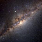 Obrázek: Supermasivní černá díra uprostřed naší galaxie jasně zazářila, vědci nevědí proč