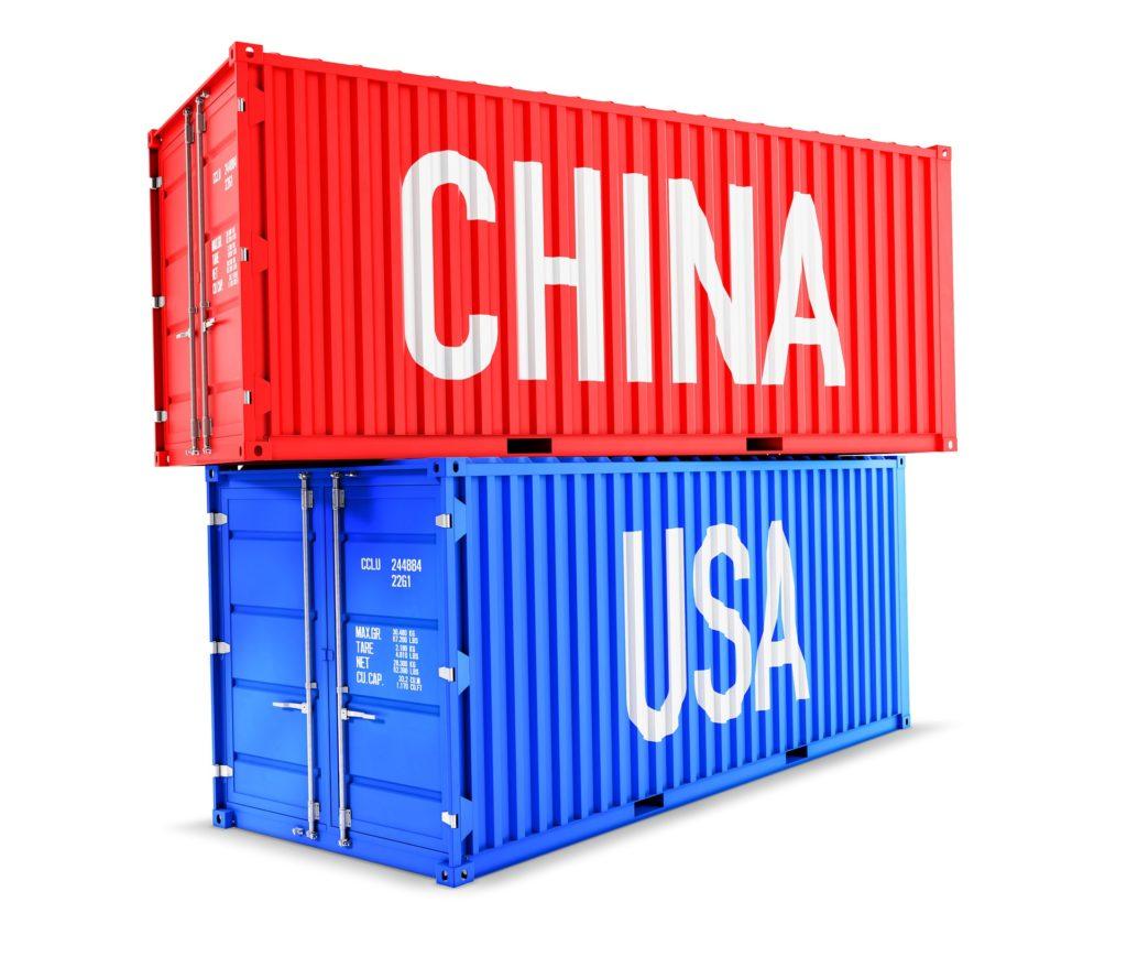 Obrázek: Čína nechce americké firmy, USA nechtějí čínské firmy. Vítězem jsou globální společnosti