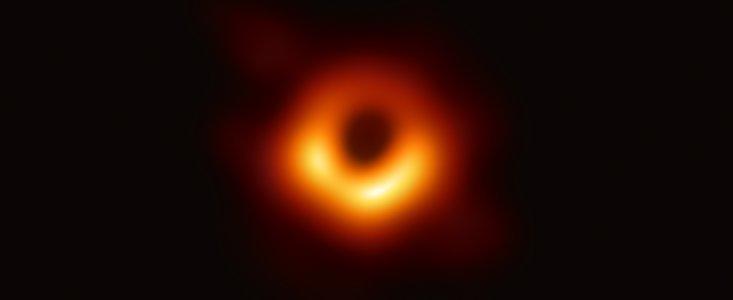 Obrázek: Jak vypadá doopravdy? NASA zveřejnila novou animaci pokroucené černé díry