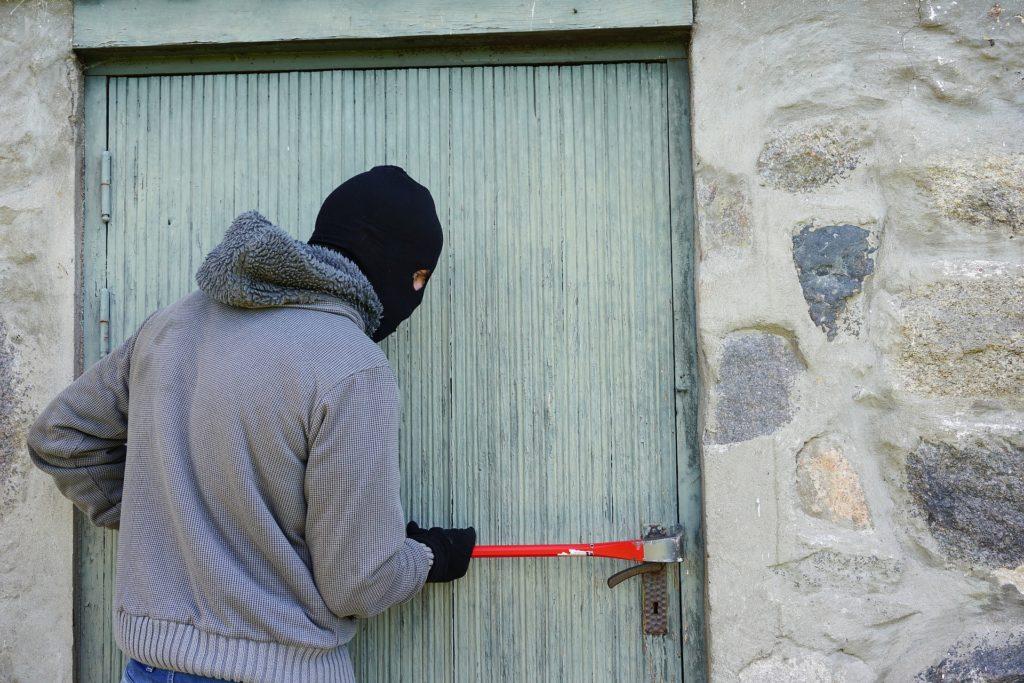 Obrázek: Stát v USA si najal externí odborníky k prověření bezpečnosti budovy soudu. Zatkla je ovšem místní policie. Proč?
