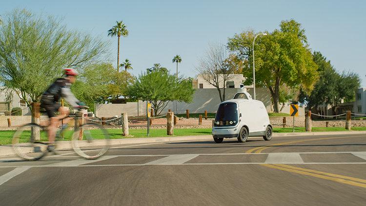 Obrázek: První plně samořiditelný automobil na silnicích: Nuro R2 bude v USA dovážet potraviny zákazníkům do domu