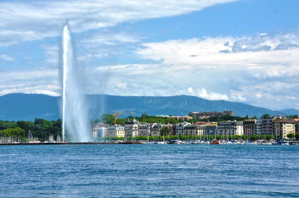 Obrázek: Rána pro švýcarskou ekonomiku: Končí všechny akce pro více než 1000 lidí, nebude ani Ženevský autosalon