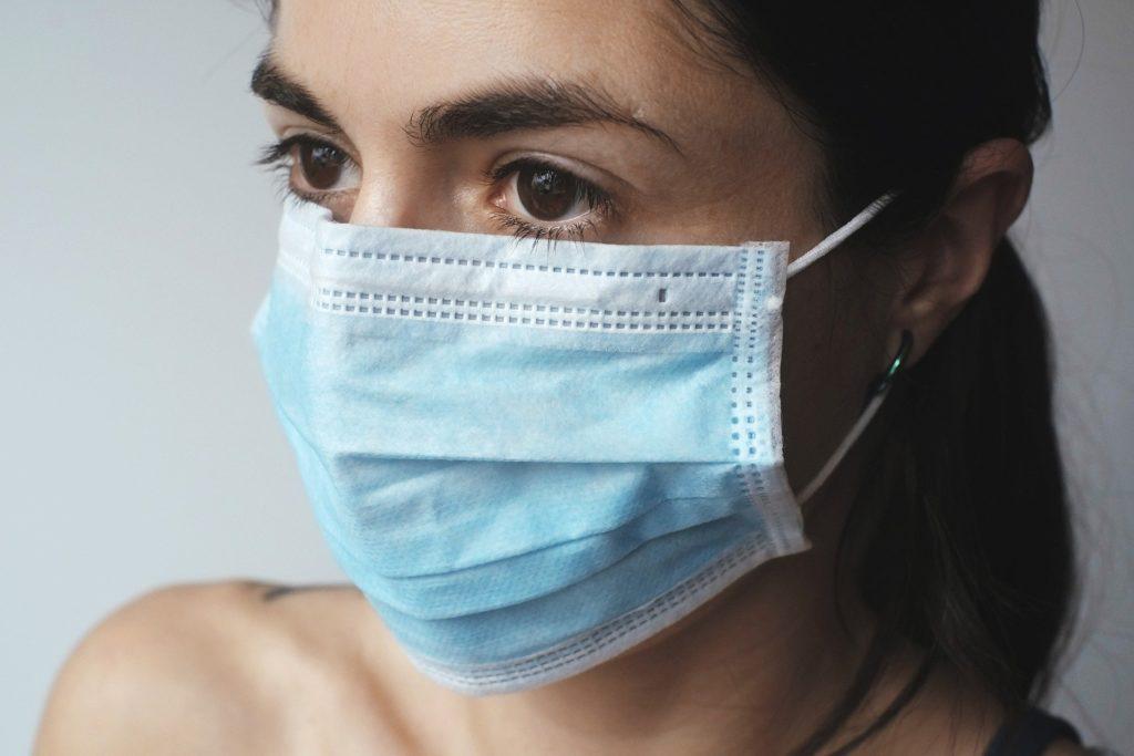 Obrázek: Rusko šíří dezinformace o vakcínách Pfizer/BioNTech, tvrdí Ministerstvo zahraničí Spojených států