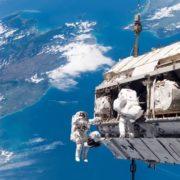 Obrázek: Astronautka NASA radí z oběžné dráhy Země, jak si v izolaci zachovat zdravý rozum