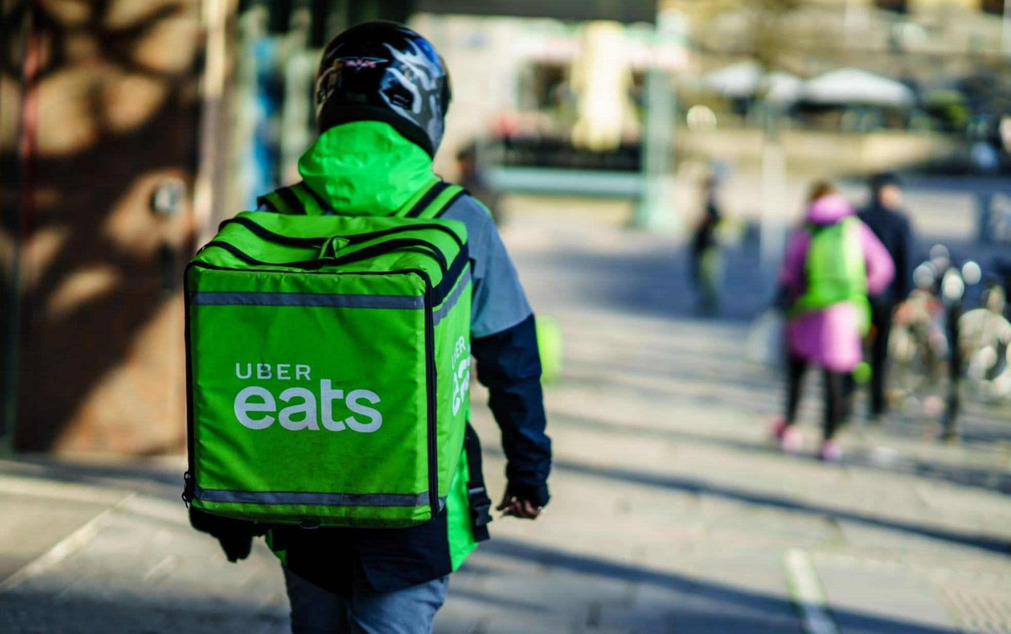 Obrázek: Překvapivý konec rychlého rozvozu jídla: Proč Uber Eats opouští Českou republiku?